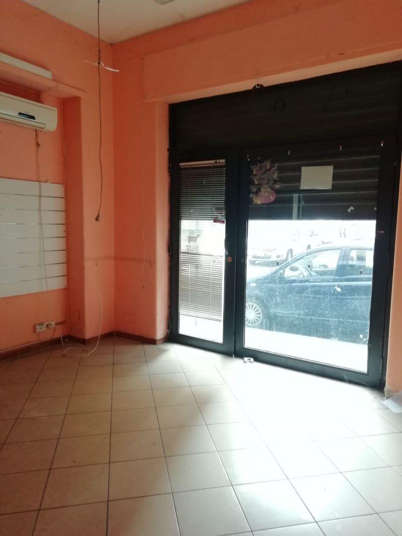Catania-pressi Gabriele D'Annunzio bottega di mq. 36 affittasi