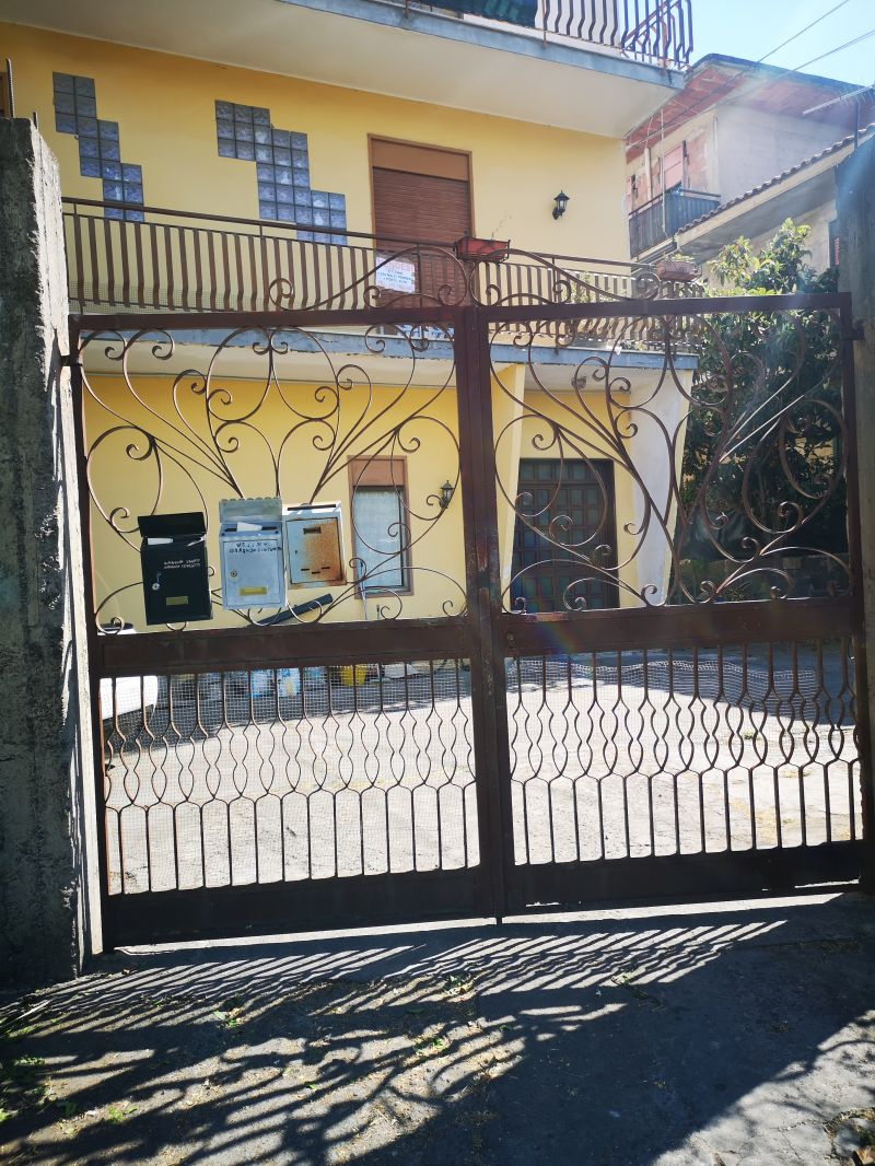 Misterbianco-Serra vani 4,5 + posto auto