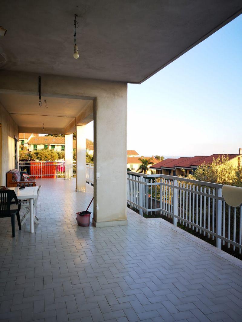Catania-San Nullo panoramico vani 5+ cantina/garage+giardino -semindipendente