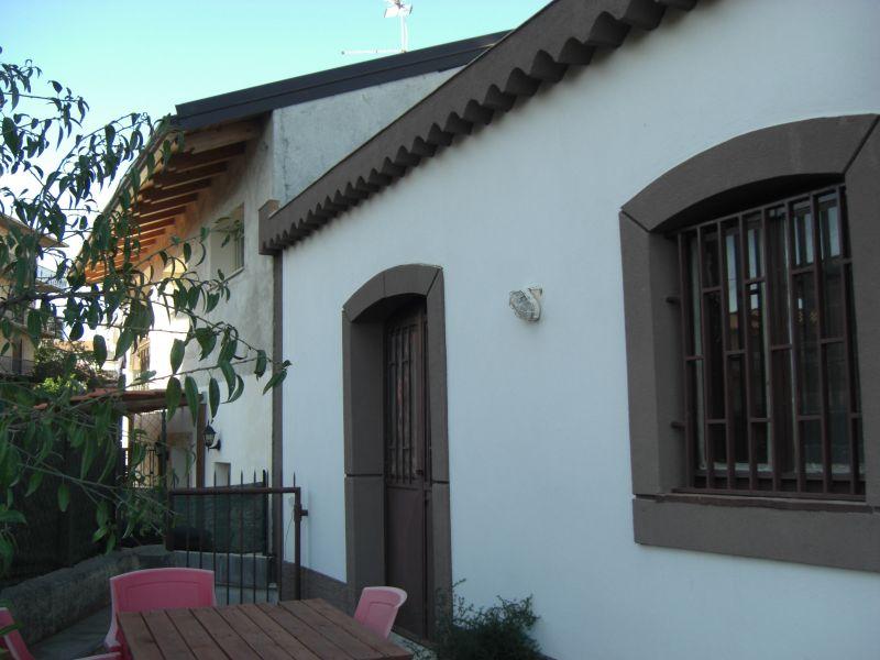 Misterbianco-Belsito villa di mq. 130 con ampio giardino