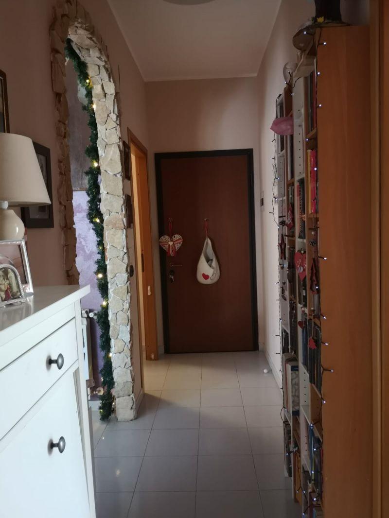 Misterbianco-via Milano vai 3,5 ascensorato,  buone condizioni