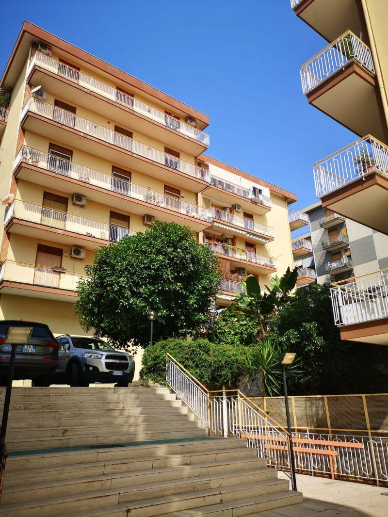 Catania-Canalicchio vani 2 affittasi