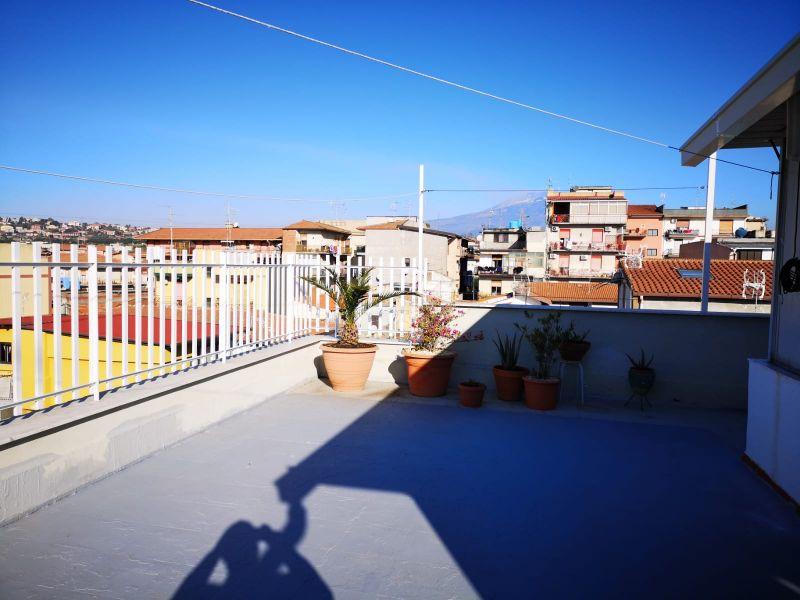 Misterbianco-G.Deledda vani 3,5 con terrazzo soprastante + 2 garage